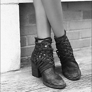 NWOB Free People Carrera Black Heeled Booties